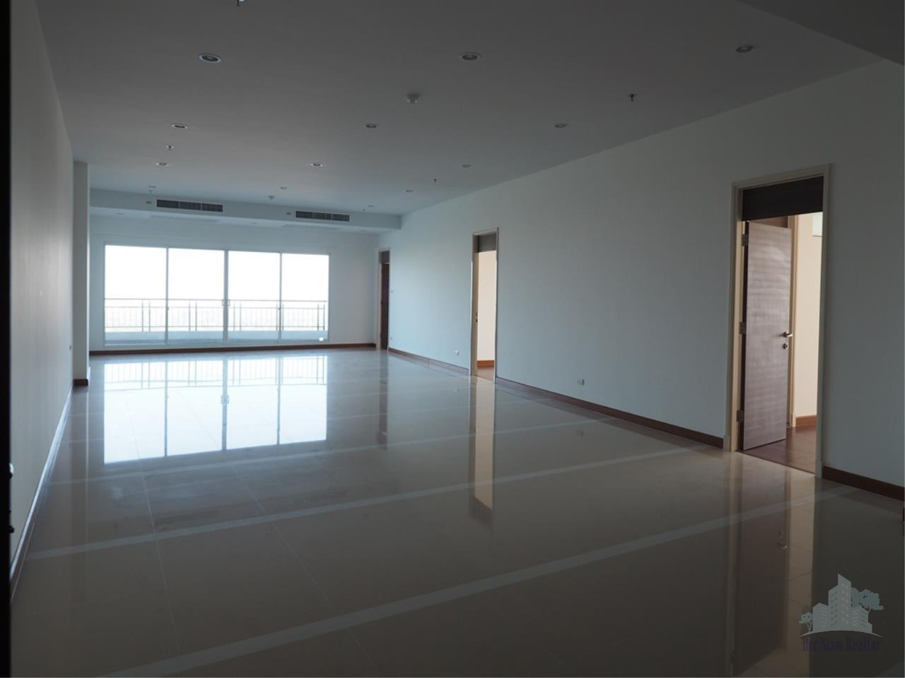 Smart Asset Management Agency's Best Unit!! For Rent Supalai Prima Riva   4 bedrooms  355.55 sqm. 2