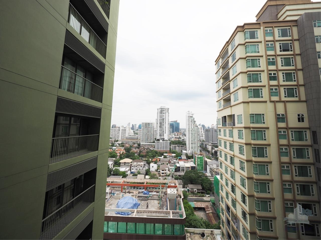 Smart Asset Management Agency's Best Unit!! For Rent Noble Solo condominium   1 bedroom  52.98 sq.m. 8
