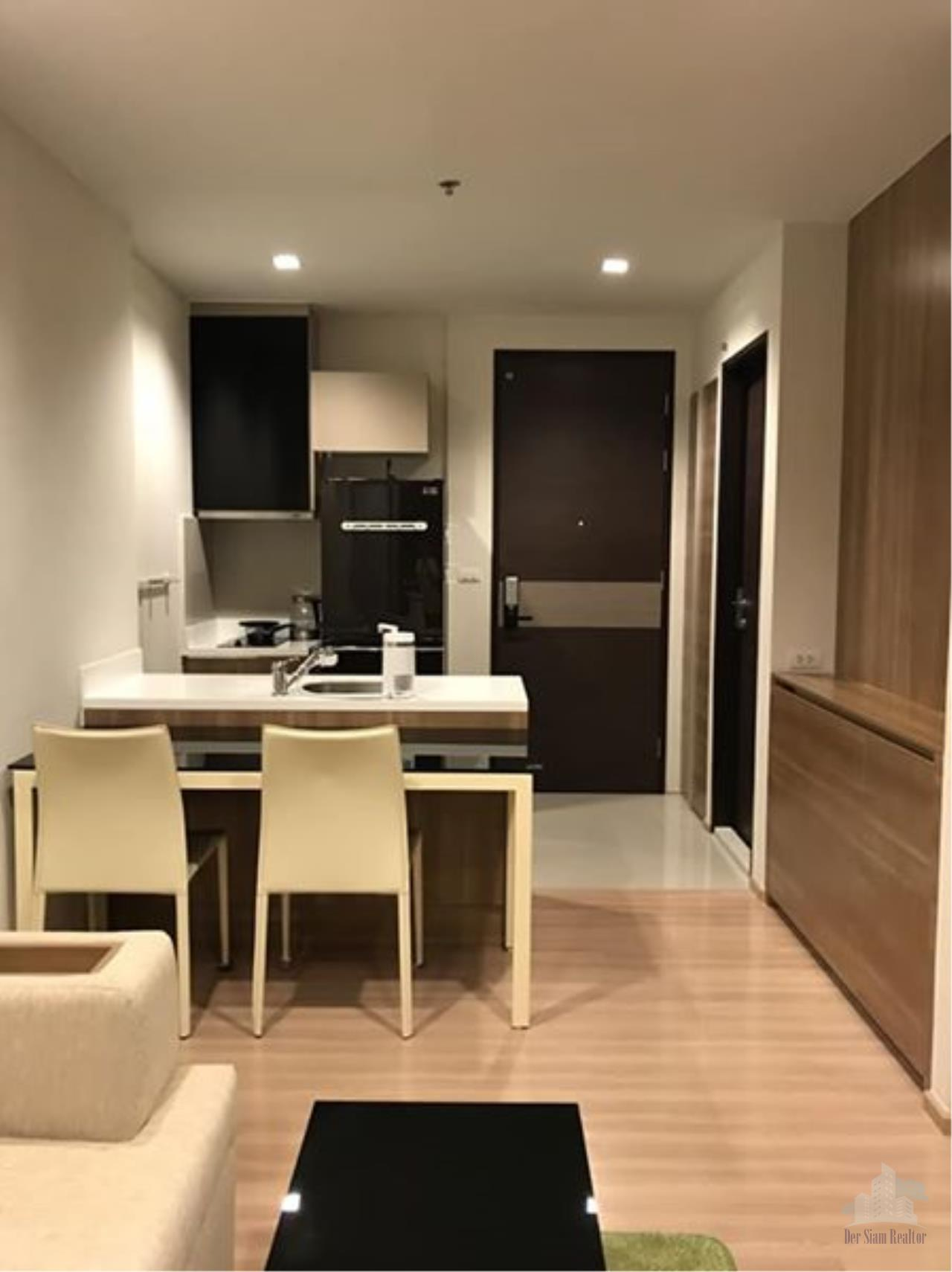 Smart Asset Management Agency's Best Unit!! For Rent Rhythm Sathorn 21 near BTS Saphan Taksin station  / 1 bed  45 sq.m. Tower S 5