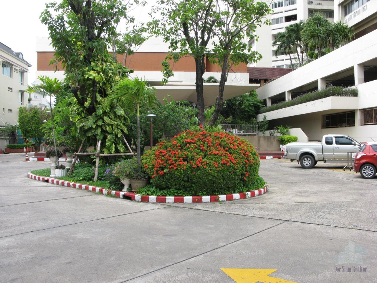 Smart Asset Management Agency's Best Unit!! For Sell Tai ping Towers  near BTS Ekkamai /    3 bed  145 sq.m. Unfurnished 9