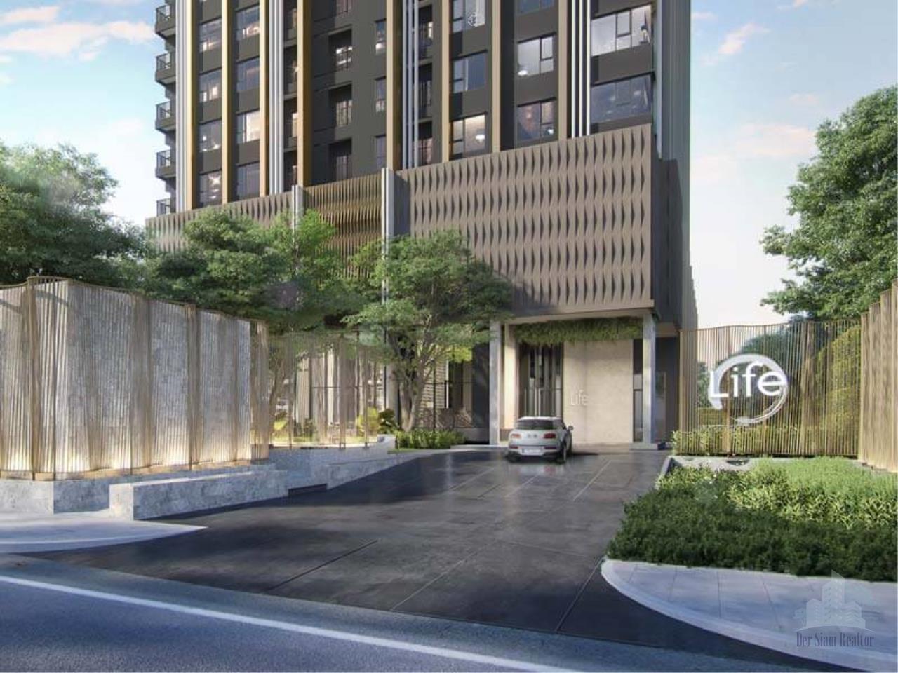 Smart Asset Management Agency's Best Unit!! For Sell  Life sukhumvit 62 near BTS bangchak  /   2 bedroom 1 bathroom  38 sq.m. Type  D21  Tower A 1