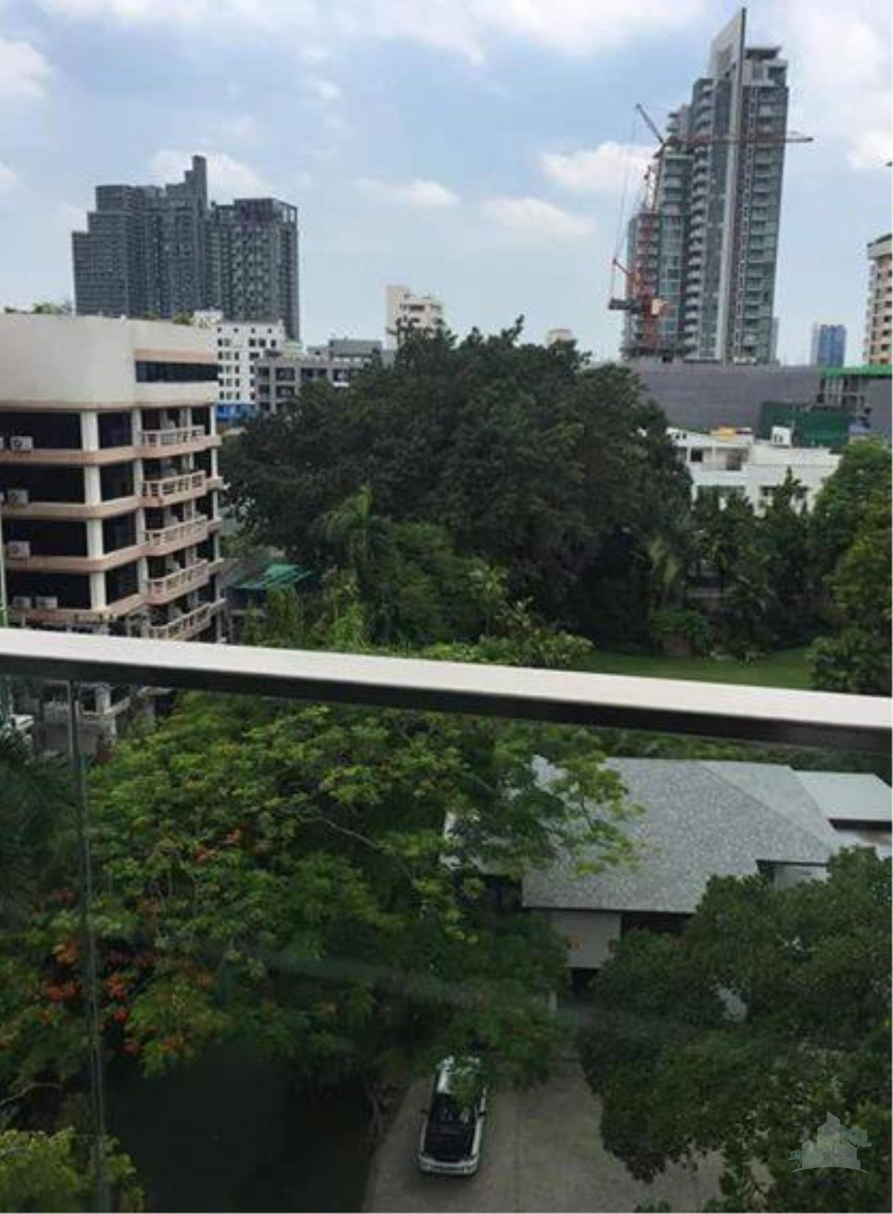 Smart Asset Management Agency's Best Unit!! For Sell & Rent  Via 49 near BTS thonglor /   1 bedroom  1 bathroom   49.66 sq.m.   5