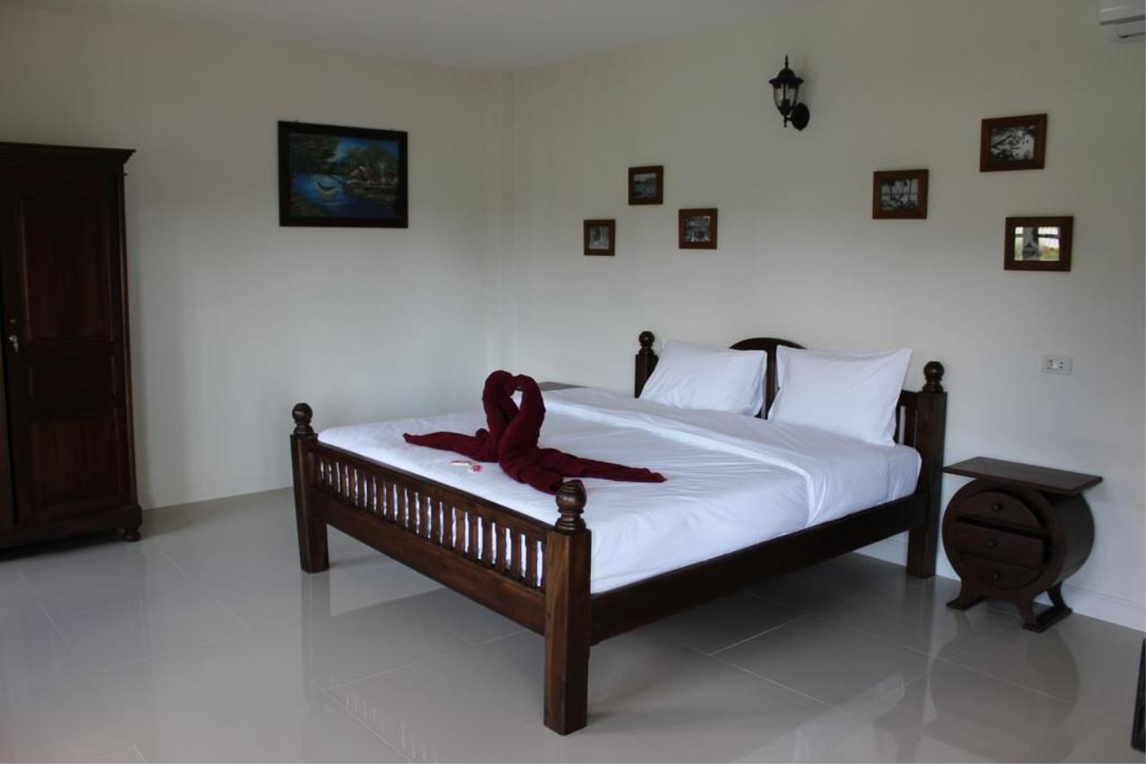 Phuket Immobiliere Agency Co.Ltd. Agency's Khao Lak Beach Guesthouse 12
