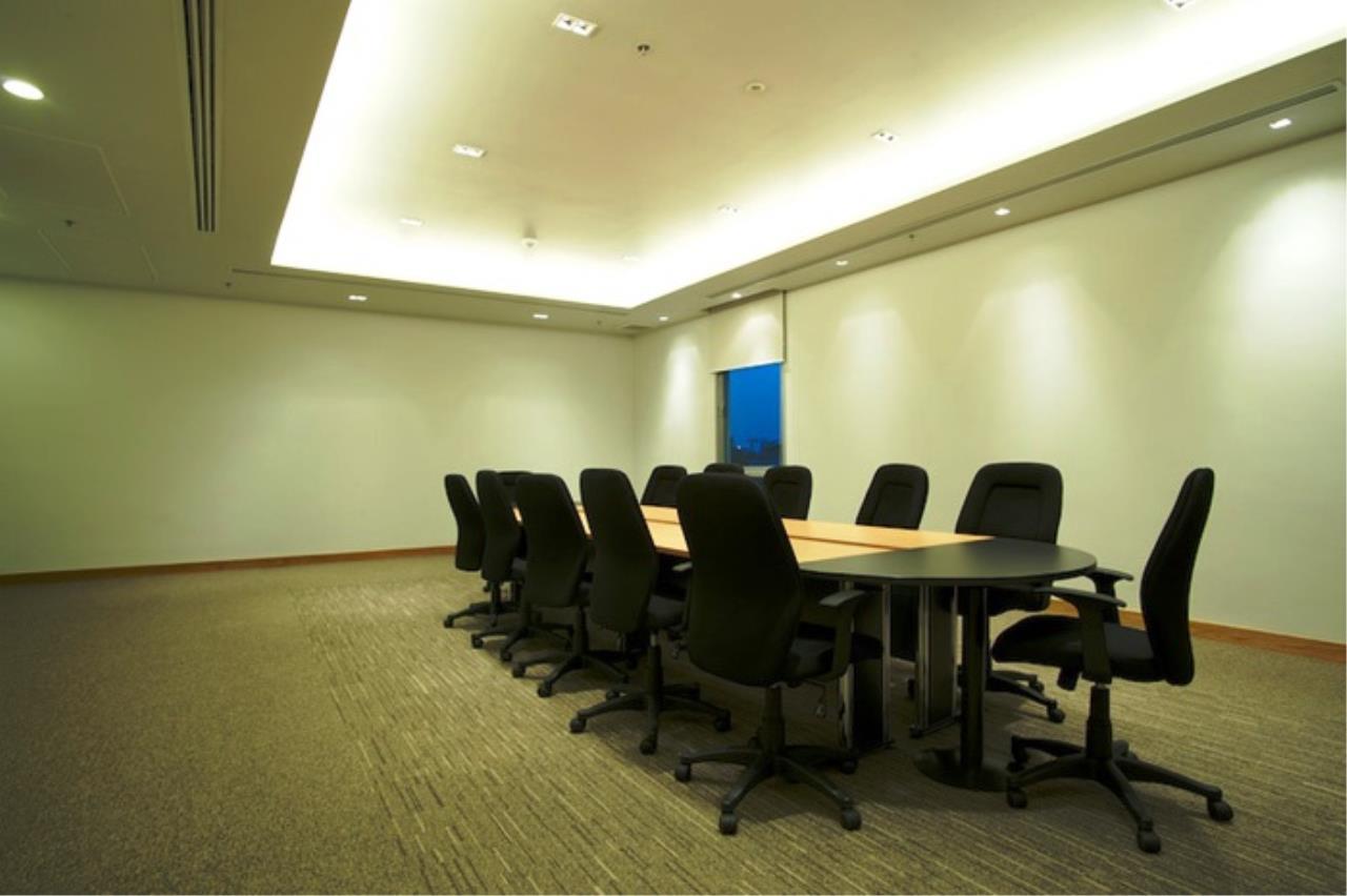 Edman & Partners Co.,Ltd. Agency's Millennium 4