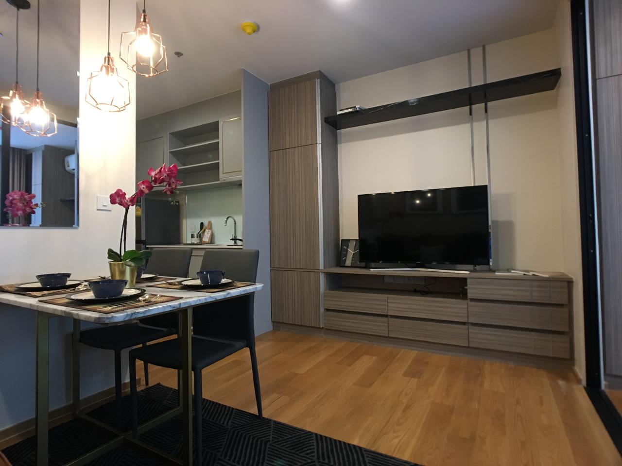 Edman & Partners Co.,Ltd. Agency's  Noble Revo Silom one bedroom 33sqm.  25,000 Baht/month 1