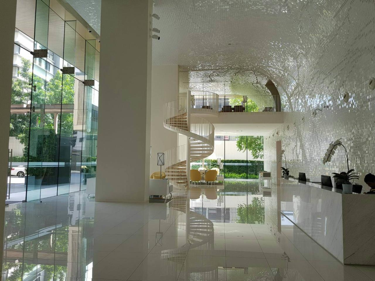 Edman & Partners Co.,Ltd. Agency's Sindhorn Residence 11