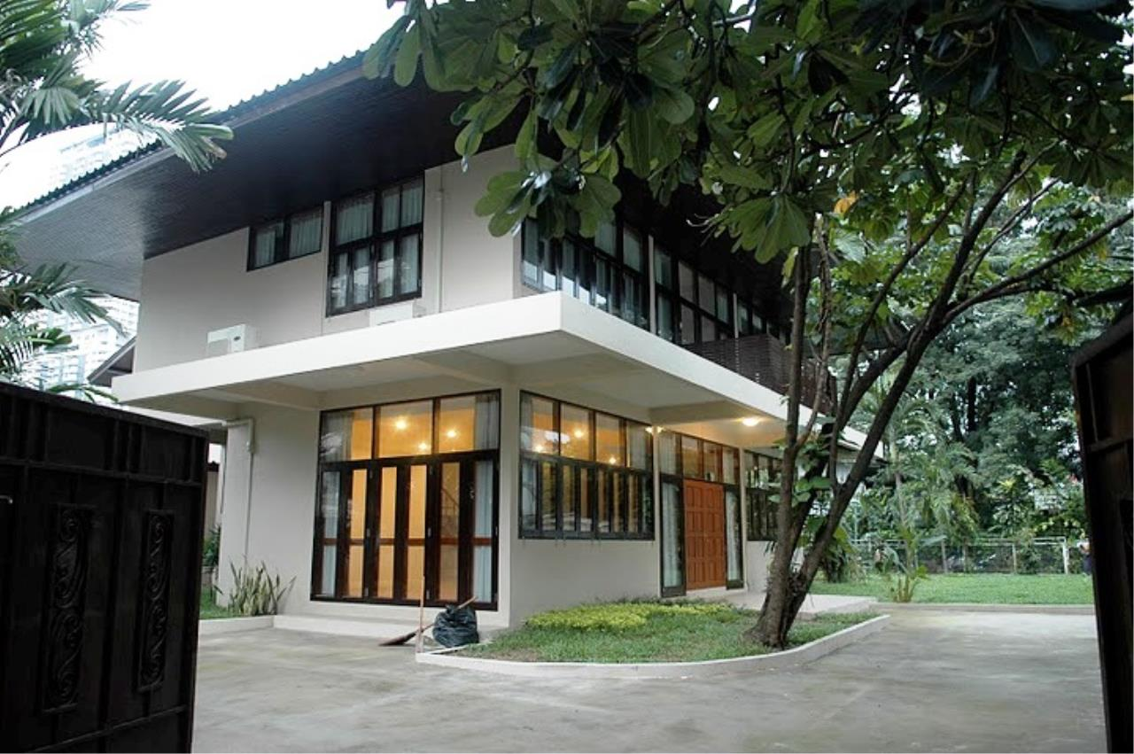 Edman & Partners Co.,Ltd. Agency's House in Sukhumvit 26 13