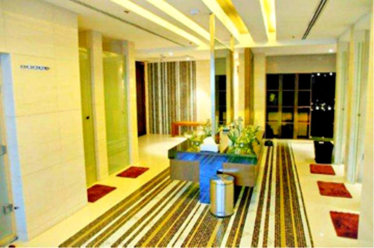 Edman & Partners Co.,Ltd. Agency's Circle Condominium 13