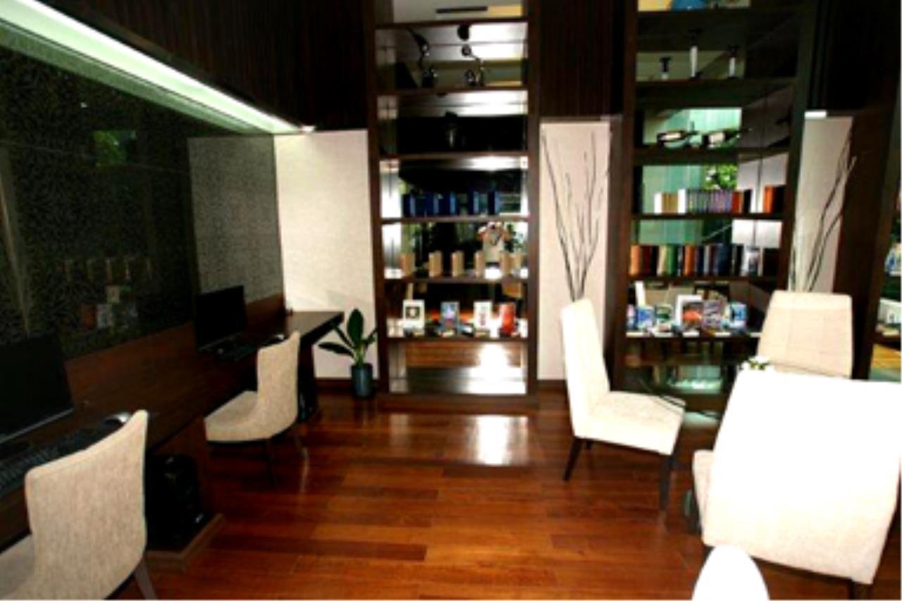Edman & Partners Co.,Ltd. Agency's Circle Condominium 11