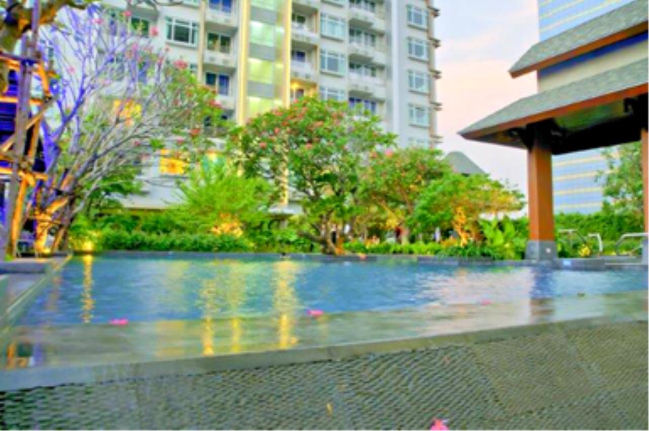 Edman & Partners Co.,Ltd. Agency's Circle Condominium 17