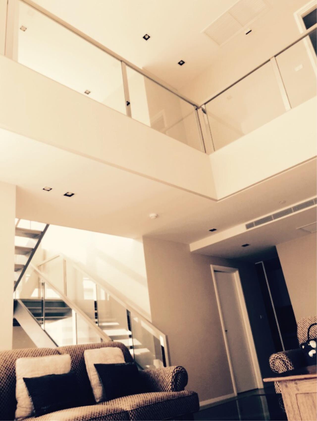 Edman & Partners Co.,Ltd. Agency's The Room Sukhumvit 21 1