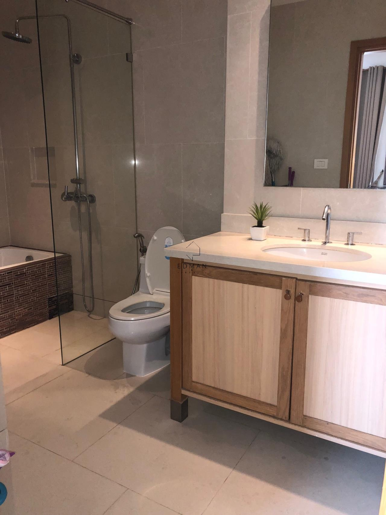 Edman and Partners Co.,Ltd Agency's For Sale or Rent The Emporio Sukhumvit 24, 1 Bed 2