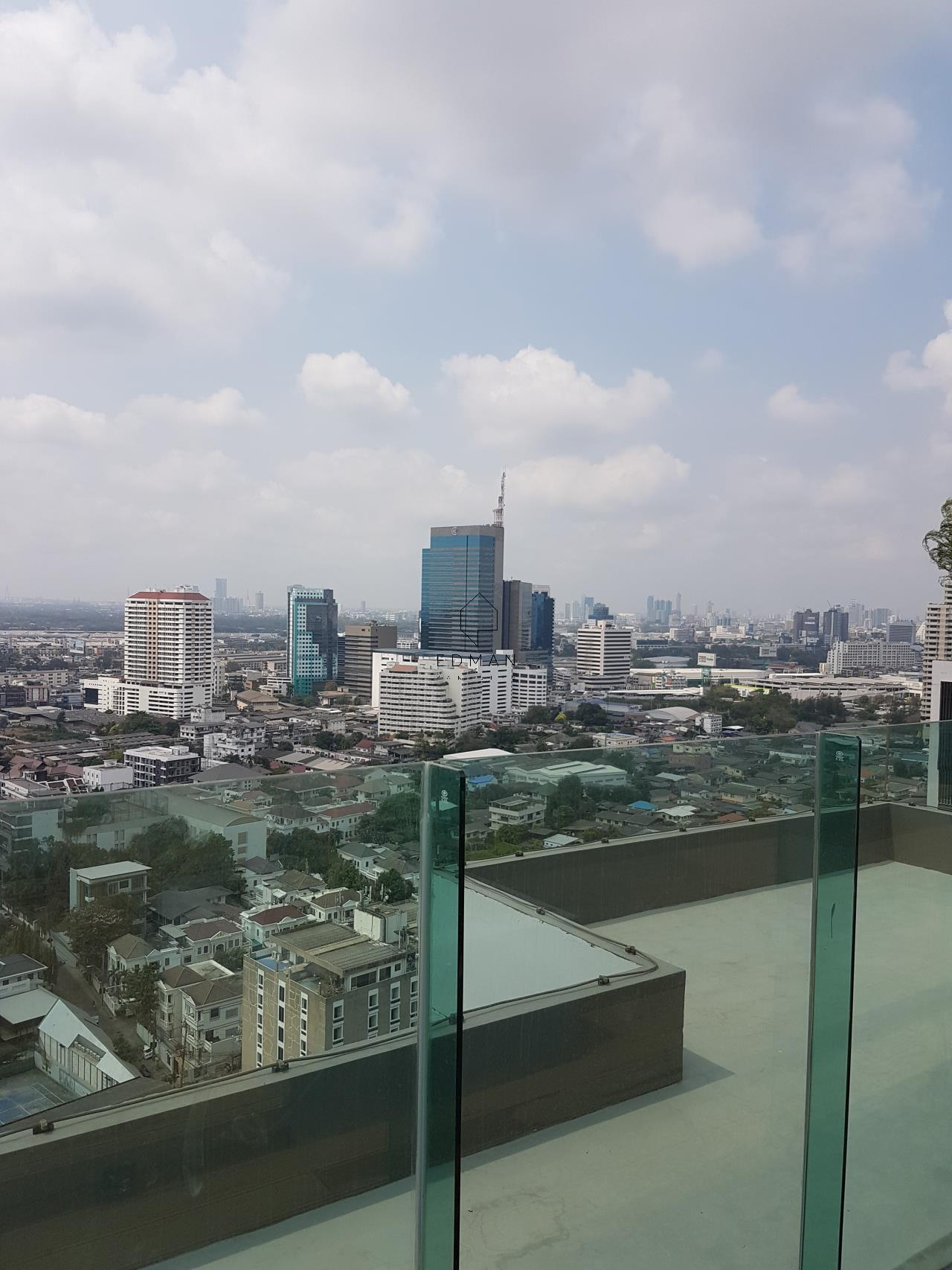 Edman & Partners Co.,Ltd. Agency's Rhythm Sukhumvit 36-38    1  bed  for  rent 26