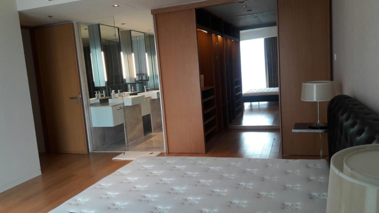 Edman and Partners Co.,Ltd Agency's The Met 3 Bedroom River view For Rent 1