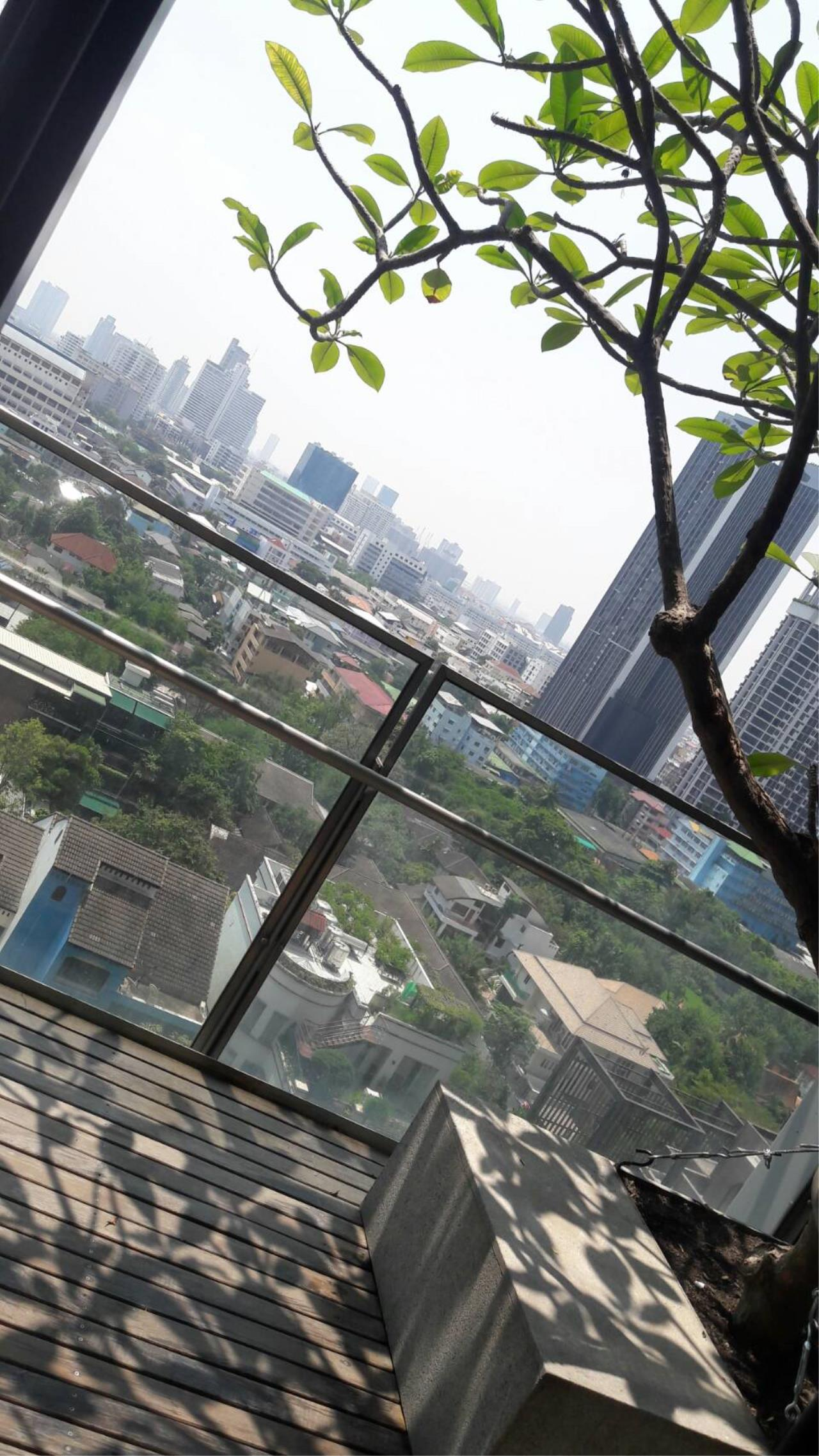 Edman and Partners Co.,Ltd Agency's The Met 3 Bedroom River view For Rent 4