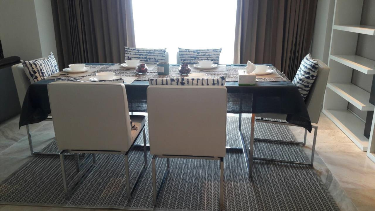 Edman and Partners Co.,Ltd Agency's The Met 3 Bedroom River view For Rent 2