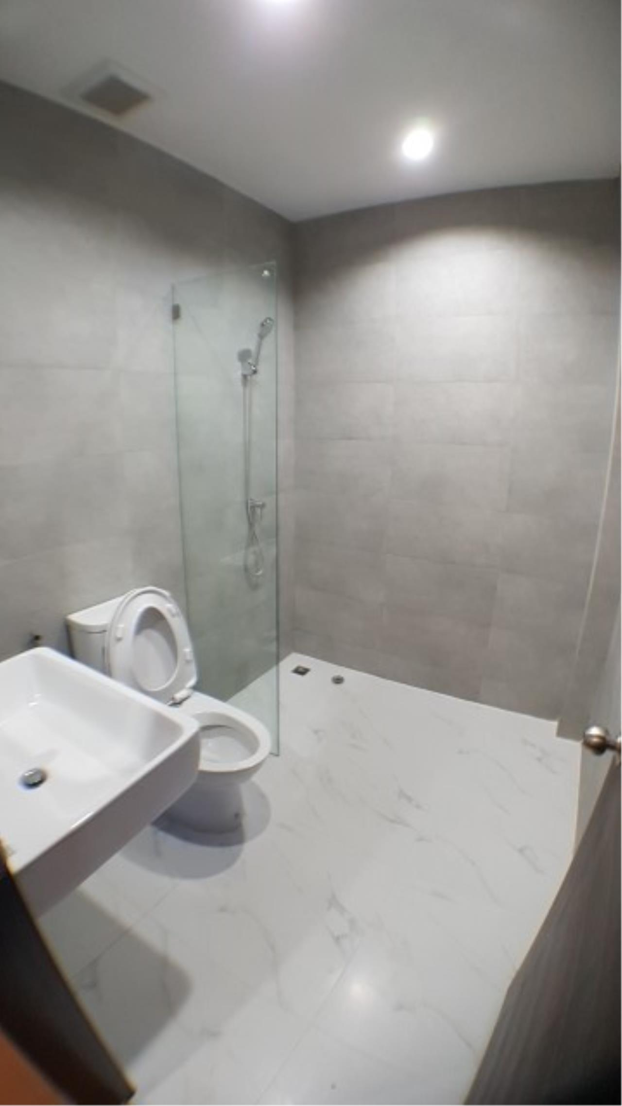 Edman and Partners Co.,Ltd Agency's For rent: Townhome Sriyarn, 295 sqm. , dusit district 8