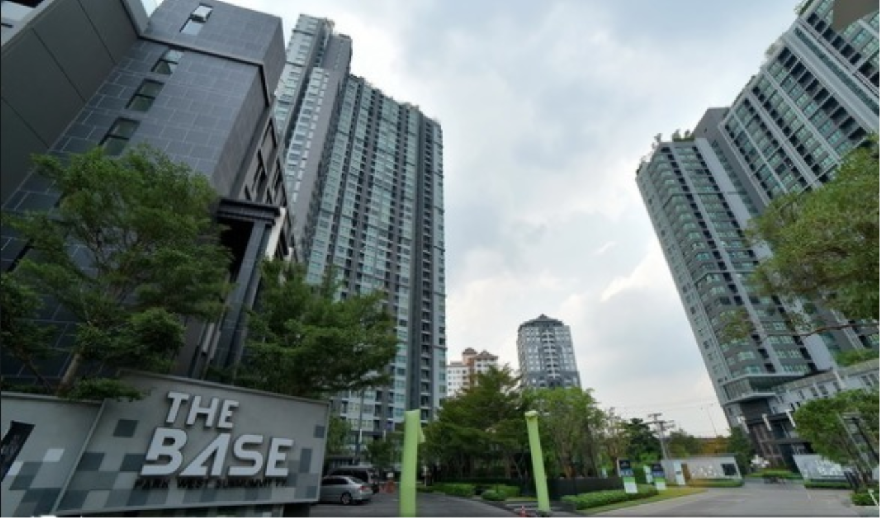 Edman and Partners Co.,Ltd Agency's Condo The Base Park West (Phra Kanong) (Preedee Panom Yong 2 7