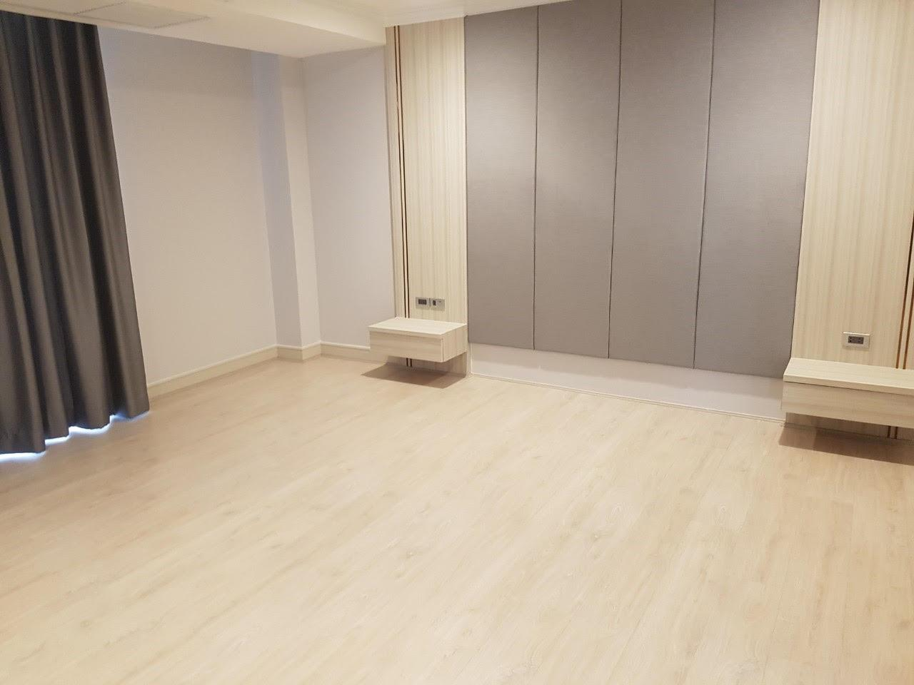 Edman and Partners Co.,Ltd Agency's Newly renovation 4 bedroom Room for rent - Raj Mansion   5