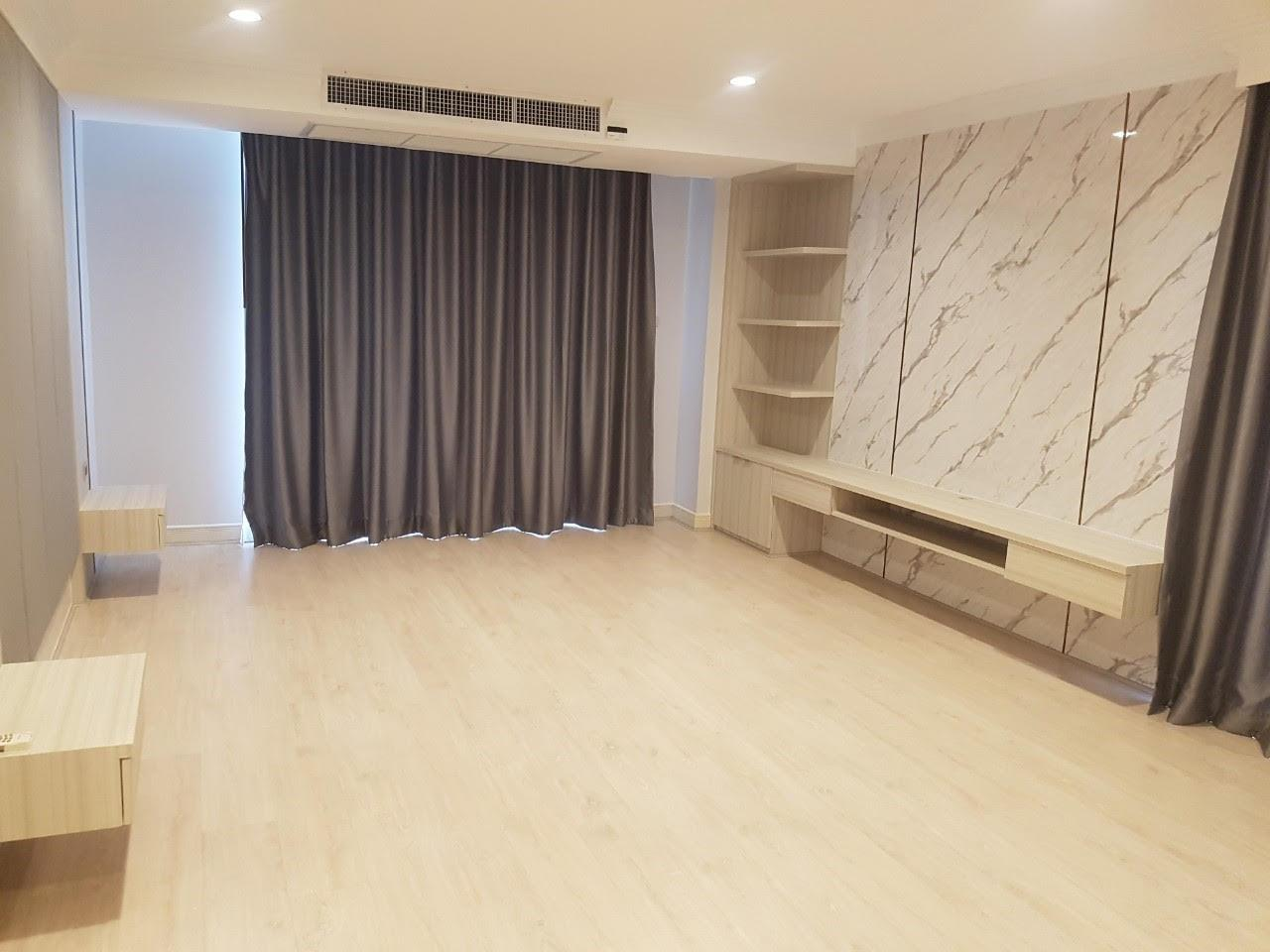 Edman and Partners Co.,Ltd Agency's Newly renovation 4 bedroom Room for rent - Raj Mansion   1