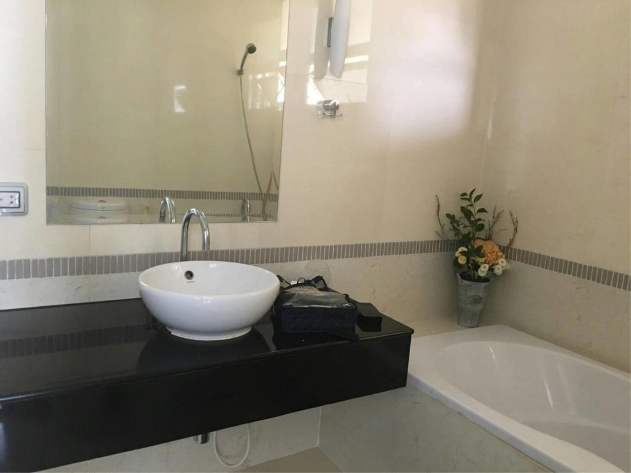 Agent - Thitiporn Sriboola Agency's Baan Klang Krung Siam-Pathumwan, High rise condo for rent, near  Ratchathewi 260 m / 4 minutes by foot 5