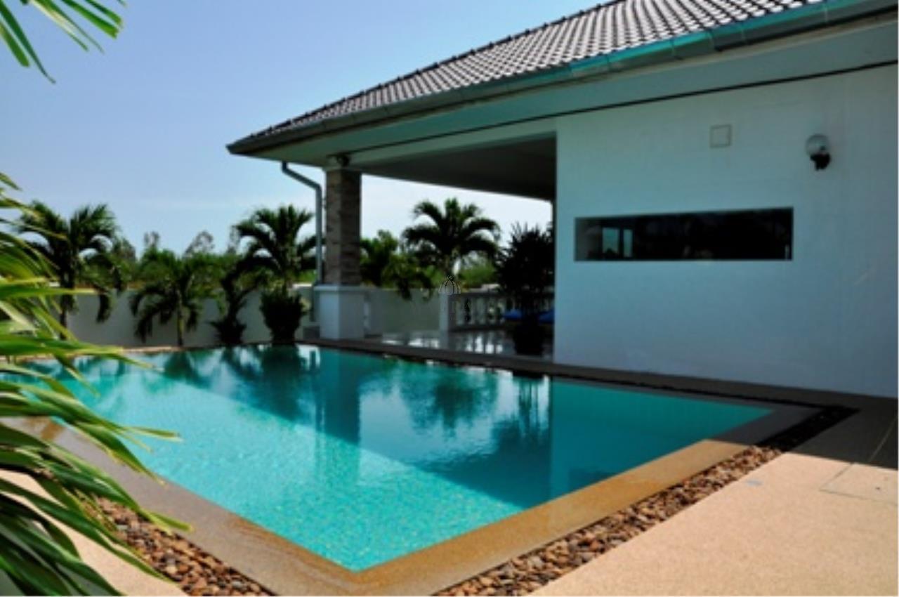 WAGRAM Co.,Ltd Agency's House  Near Bluport Mall Pool Villa 10