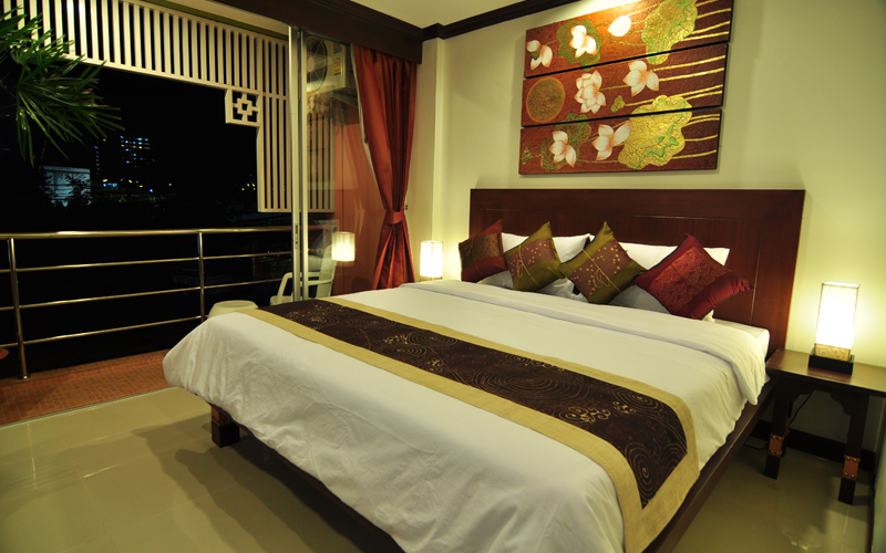 Phuket Brokers Agency's Central 19 room hotel with modern style 2