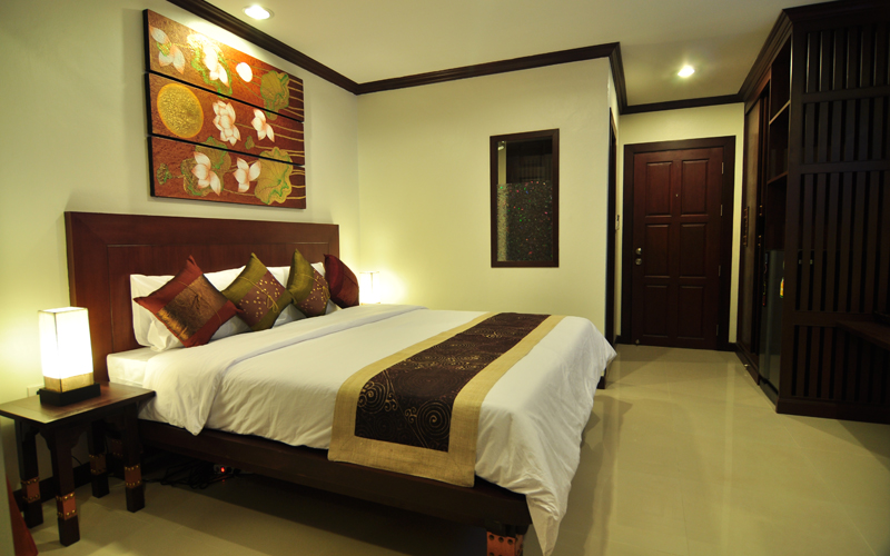 Phuket Brokers Agency's Central 19 room hotel with modern style 3