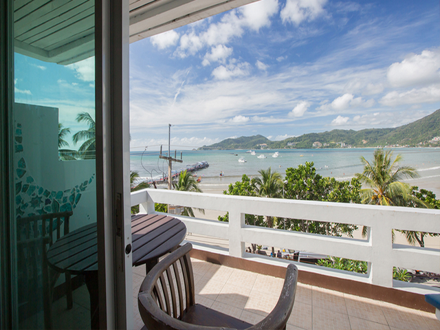 Phuket Brokers Agency's Beach front hotel for lease 2