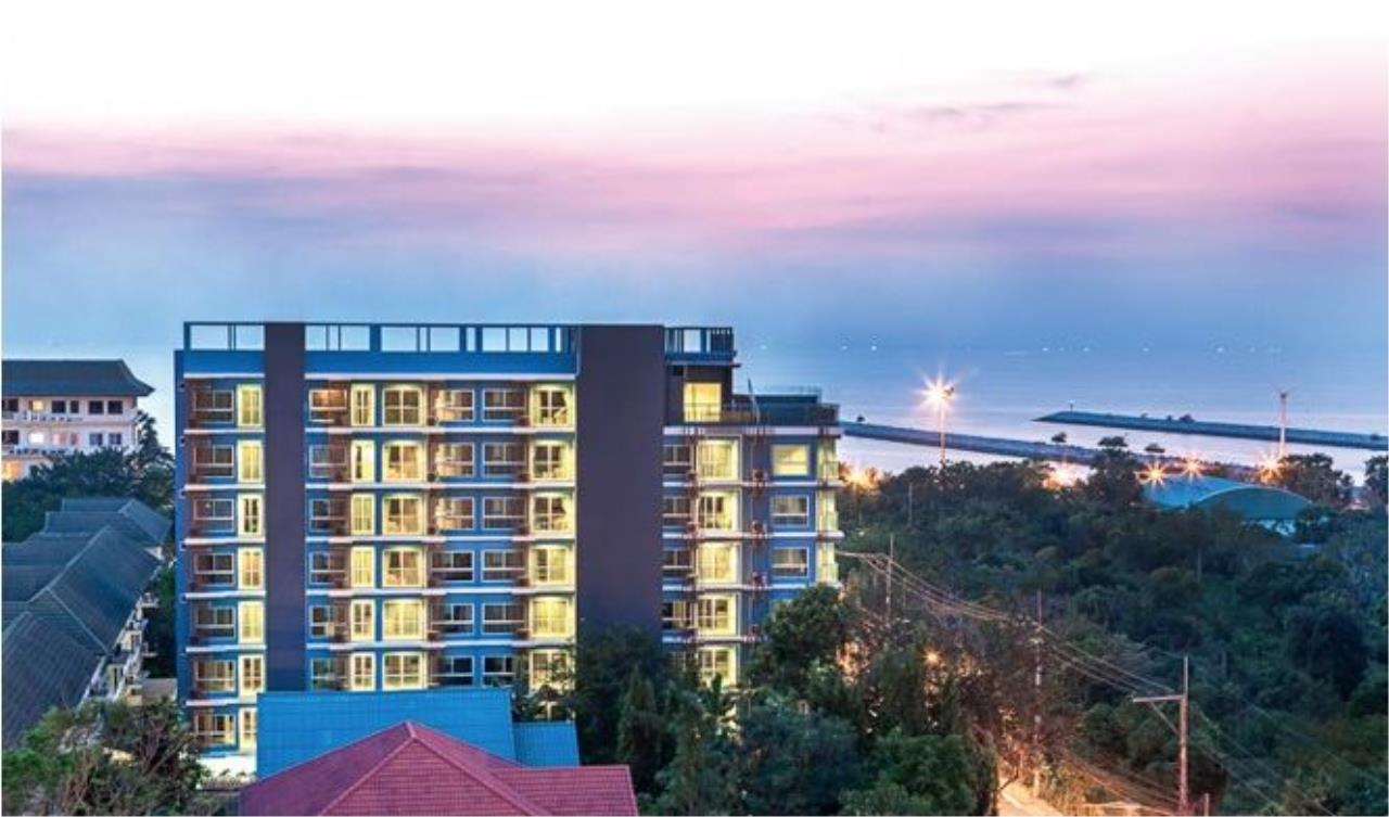 RE/MAX Town & Country Property Agency's Nice Condo for sale in Baan Amphur 9
