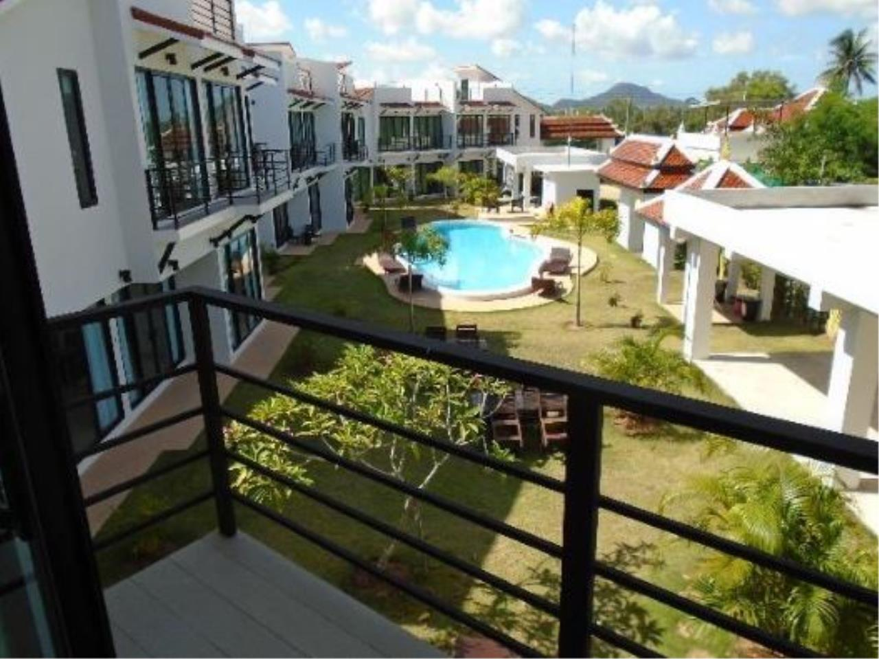 RE/MAX Town & Country Property Agency's Luxury villa resort 9