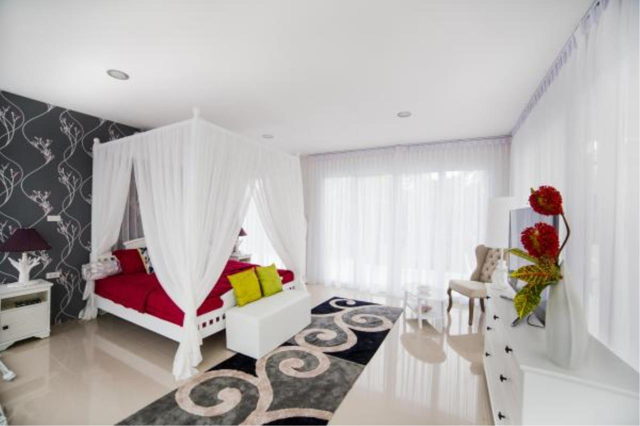 RE/MAX Town & Country Property Agency's Modern style 3 bedroom villa 10