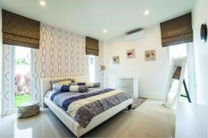 RE/MAX Town & Country Property Agency's Luxury Villa for sale 10