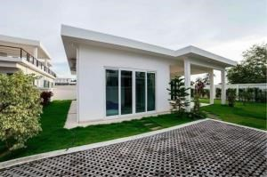 RE/MAX Town & Country Property Agency's Luxury Villa for sale 3
