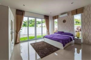 RE/MAX Town & Country Property Agency's Luxury Villa for sale 9