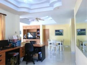 RE/MAX Town & Country Property Agency's 2 Houses with Swimming pool in the middle for sale in Baan Amphur 10