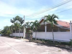 RE/MAX Town & Country Property Agency's 2 Houses with Swimming pool in the middle for sale in Baan Amphur 3