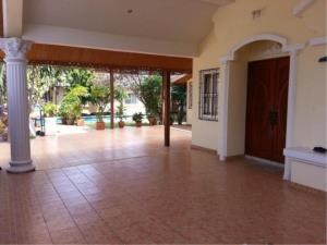 RE/MAX Town & Country Property Agency's 2 Houses with Swimming pool in the middle for sale in Baan Amphur 5