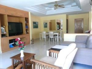 RE/MAX Town & Country Property Agency's 2 Houses with Swimming pool in the middle for sale in Baan Amphur 9