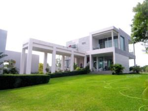RE/MAX Town & Country Property Agency's Beautiful House in Baan Amphur 1
