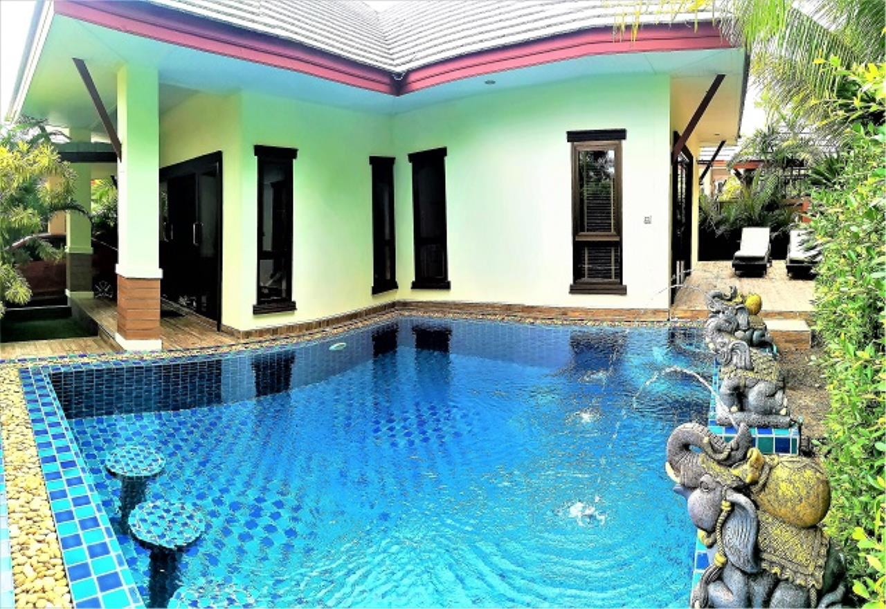 RE/MAX Town & Country Property Agency's Pool Villa House 1