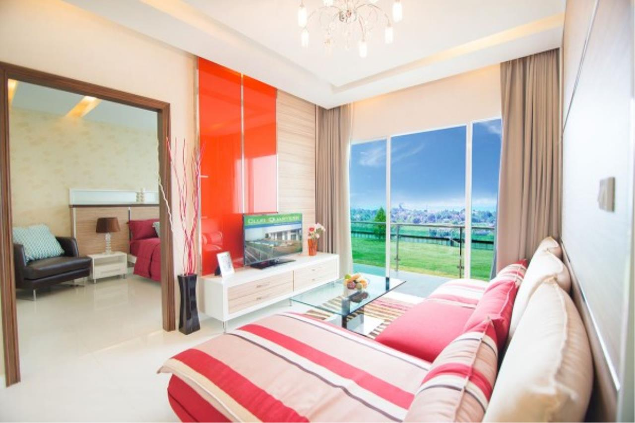 RE/MAX Town & Country Property Agency's Luxurious condo in Bang Saray 2