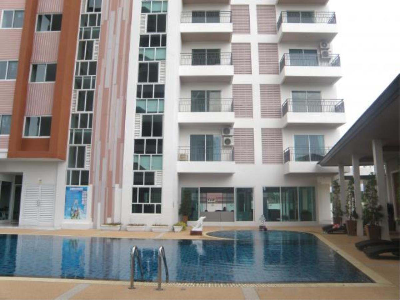 RE/MAX Town & Country Property Agency's Bang Saray condo 2
