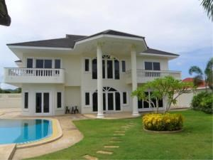 RE/MAX Town & Country Property Agency's Impressive pool-villa near the beach 2