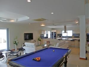 RE/MAX Town & Country Property Agency's Impressive pool-villa near the beach 6