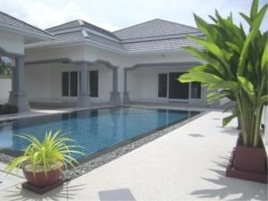 RE/MAX Town & Country Property Agency's Luxury House pool Villa for sale in Bang Saray 1