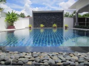 RE/MAX Town & Country Property Agency's Luxury House pool Villa for sale in Bang Saray 6
