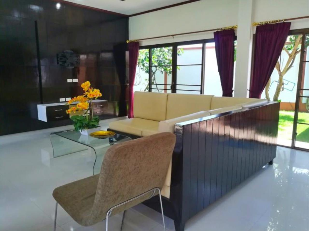 RE/MAX Town & Country Property Agency's Beautiful 3 bedroom house for sale 4