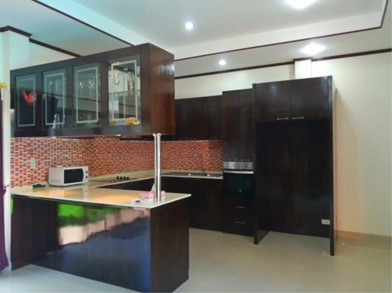 RE/MAX Town & Country Property Agency's Beautiful 3 bedroom house for sale 6
