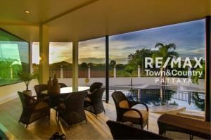 RE/MAX Town & Country Property Agency's Silver Lake Pool-Villa MUST SELL 4